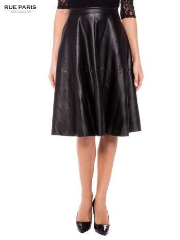 Czarna skórzana spódnica midi szyta z półkola