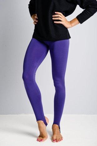 Fioletowe legginsy zakładane na stopę