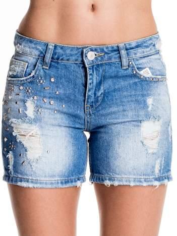 Niebieskie jeansowe szorty z dżetami