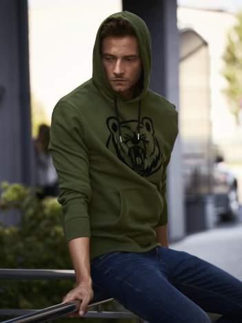 Oliwkowa bluza męska z kapturem i nadrukiem niedźwiedzia