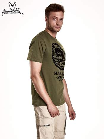 Oliwkowy t-shirt męski ze zwierzęcym nadrukiem