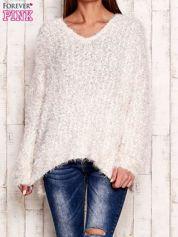Biały sweter long hair