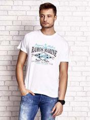 Biały t-shirt męski z napisami i kotwicą