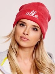Ciemnoróżowa wywijana czapka z napisem ABLE