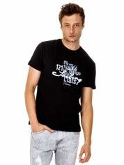 Czarny t-shirt męski z marynarskim motywem i napisem SAILING