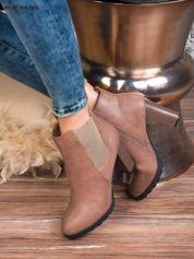 Jasnobrązowe skórzane botki na słupku z gumkowaną cholewką i gumkowaną wstawką