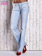 Niebieskie spodnie jeansowe z prostą nogawką