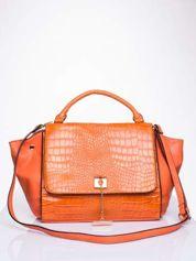 Pomarańczowa torba z motywem skóry aligatora i złotym łańcuszkiem
