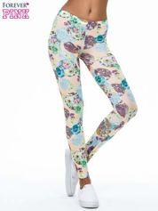 Zielone legginsy z kwiatowymi motywami