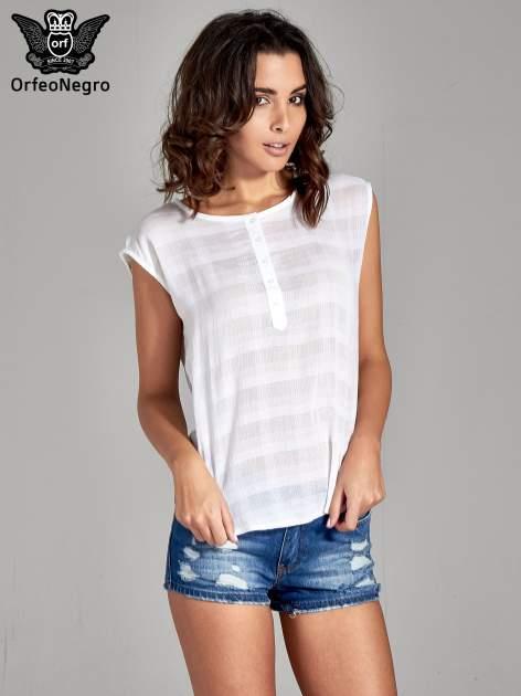 Biała bluzka koszulowa w kratę z guziczkami