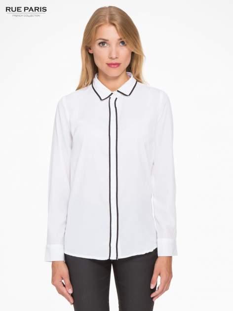 Biała koszula z małym kołnierzykiem i kontrastowym obszyciem