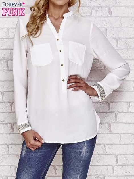 Biała koszula z mankietem z cyrkonii