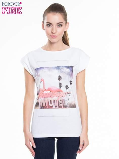 Biały t-shirt z nadrukiem FLAMINGO MOTEL