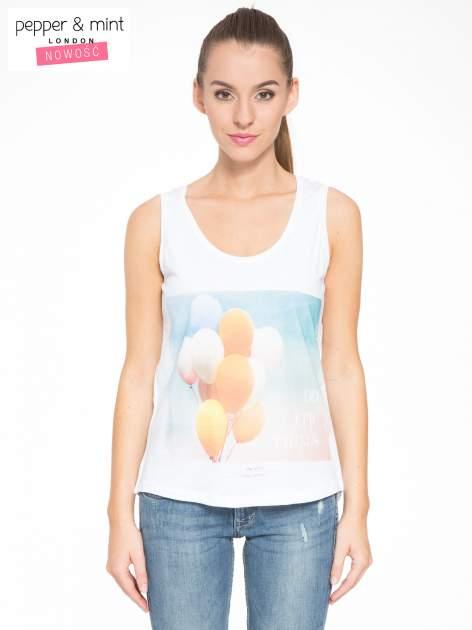 Biały t-shirt z nadrukiem balonów