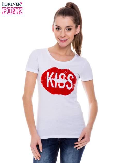 Biały t-shirt z nadrukiem ust KISS