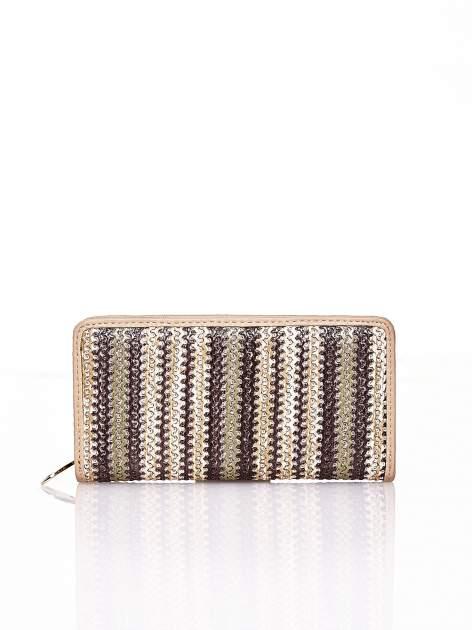 Ciemnobeżowy pleciony portfel w pionowe paski