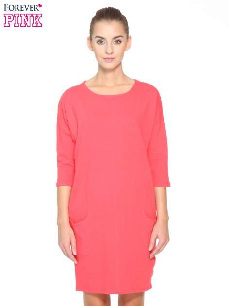 Ciemnokoralowa sukienka dresowa z kieszeniami