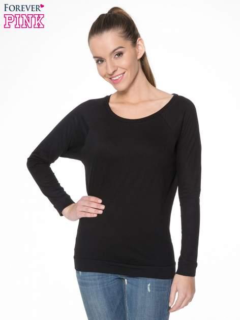 Czarna bawełniana bluzka z rękawami typu reglan