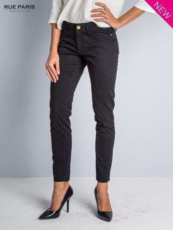 Czarne spodnie materiałowe w stylu chinos