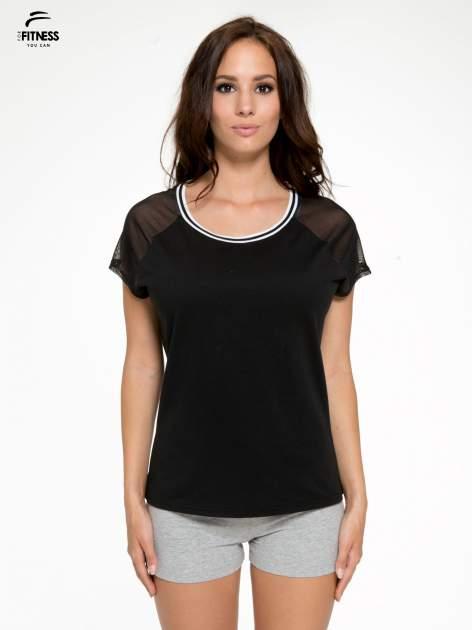 Czarny t-shirt z transparentnymi rękawami