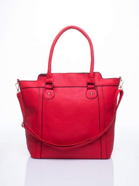 Czerwona torba miejska z odpinanym paskiem