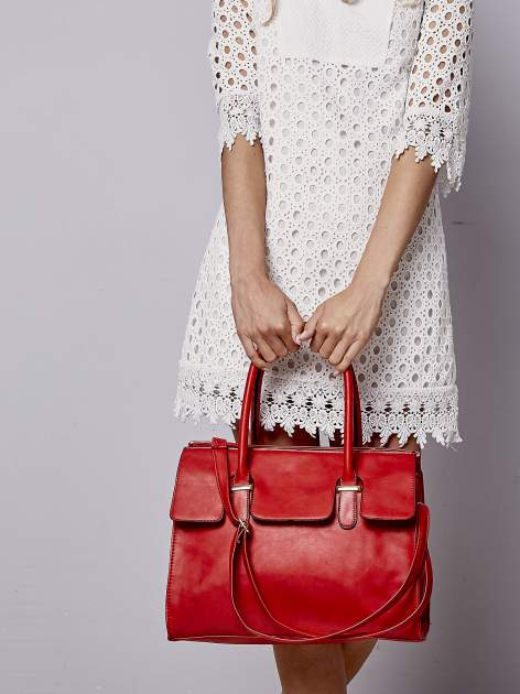 Czerwona torebka teczka z klapką