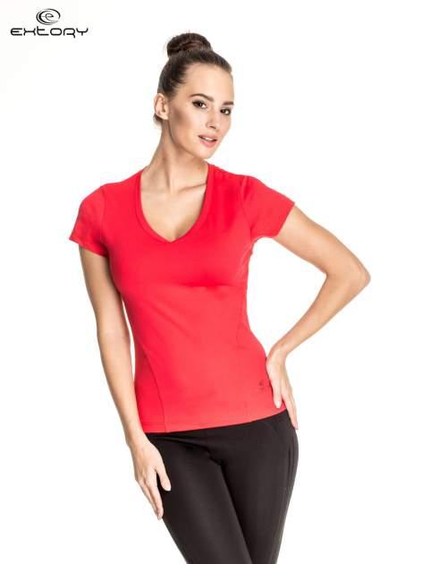 Czerwony t-shirt sportowy z dekoltem V-neck PLUS SIZE