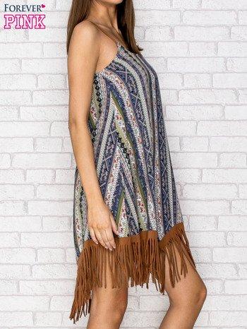 Granatowa sukienka w etniczne wzory z frędzlami