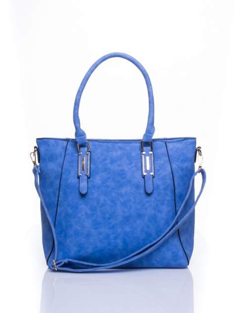 Jasnoniebieska fakturowana torba z odpinanym paskiem