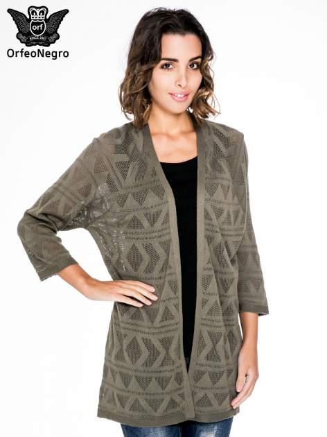 Khaki sweter narzutka o geometrycznym splocie