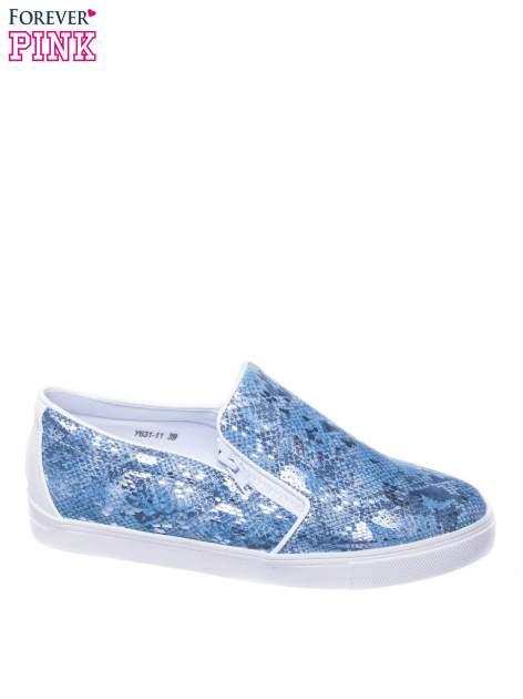 Niebieskie buty slip on ze skóry węża