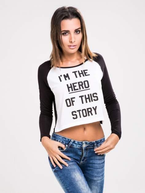 STRADIVARIUS Czarna bluzka z rękawami typu reglan i napisem I'M THE HERO OF THIS STORY