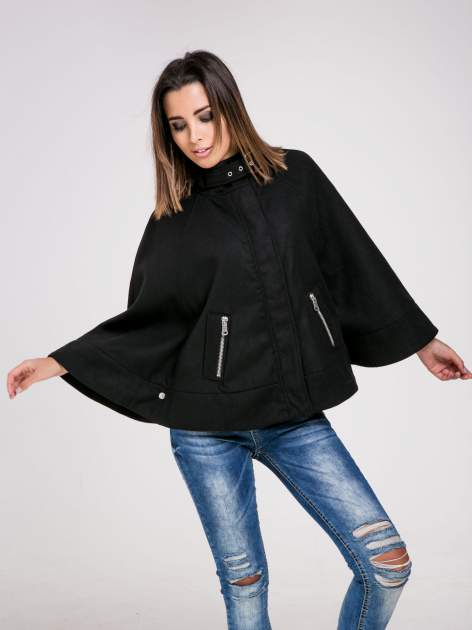 STRADIVARIUS Czarna kurtka typu poncho