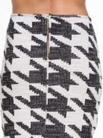 Beżowo-czarna ołówkowa spódnica tuba w pepitkę