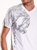 Biały t-shirt męski ze srebrnym nadrukiem