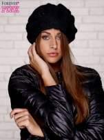 Czarna dzianinowa czapka