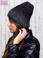 Czarna dzianinowa czapka ombre
