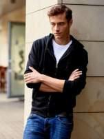 Czarna gruba bluza męska z kapturem i kieszeniami