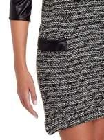 Czarna sukienka bouclé ze skórzanymi rękawami