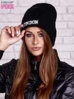 Czarna wywijana czapka z napisem LONDON