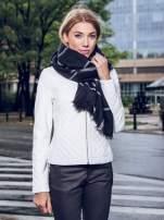 Czarno-biały szalik damski w kratę