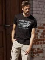 Czarny t-shirt męski ze sportowym nadrukiem i napisem SUPERIOR