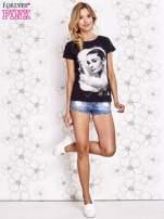 Czarny t-shirt z nadrukiem Audrey Hepburn