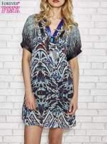 Granatowa wzorzysta sukienka z kamieniami