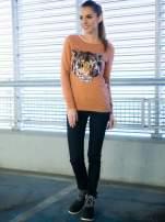 Jasnobrązowa bluza z aplikacją tygrysa z cekinów