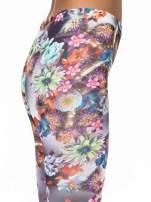Kwiatowe legginsy z nadrukami