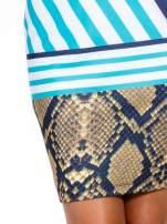 Niebieska sukienka z  wiązaniem przy dekolcie i nadrukiem skóry węża