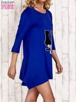 Niebieska tunika dresowa z aplikacją kotów z cekinów