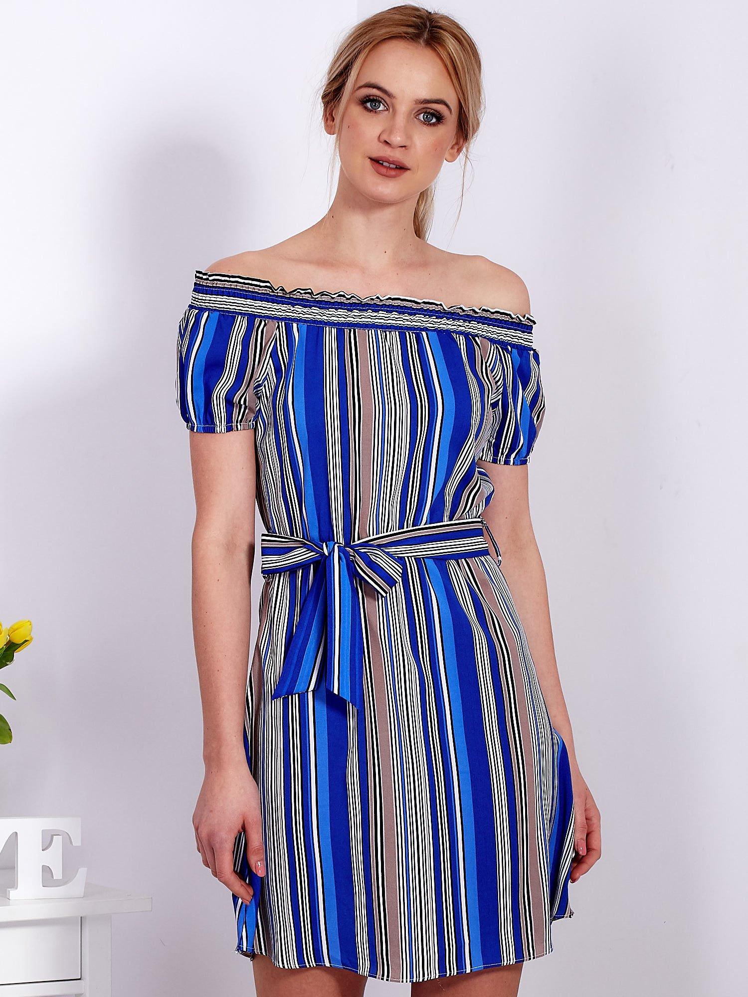 4722c7be Sukienka niebieska z odkrytymi ramionami w paski