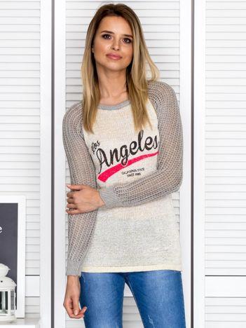 Ażurowy szary sweter z napisem